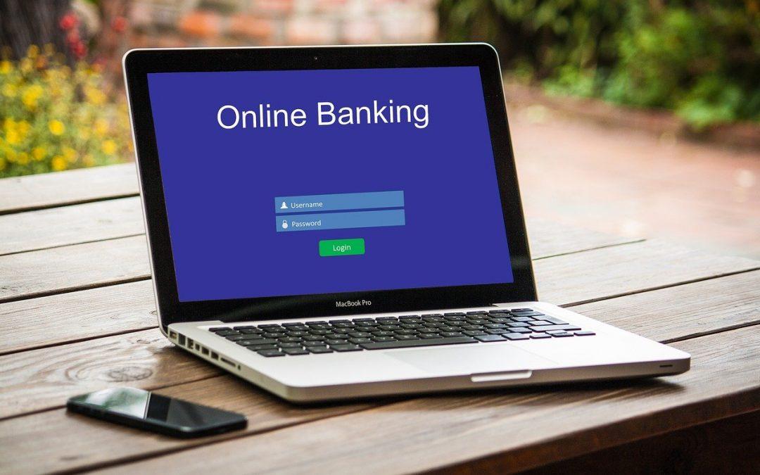 MANFAAT ONLINE BANKING YANG MEMUDAHKAN HIDUP